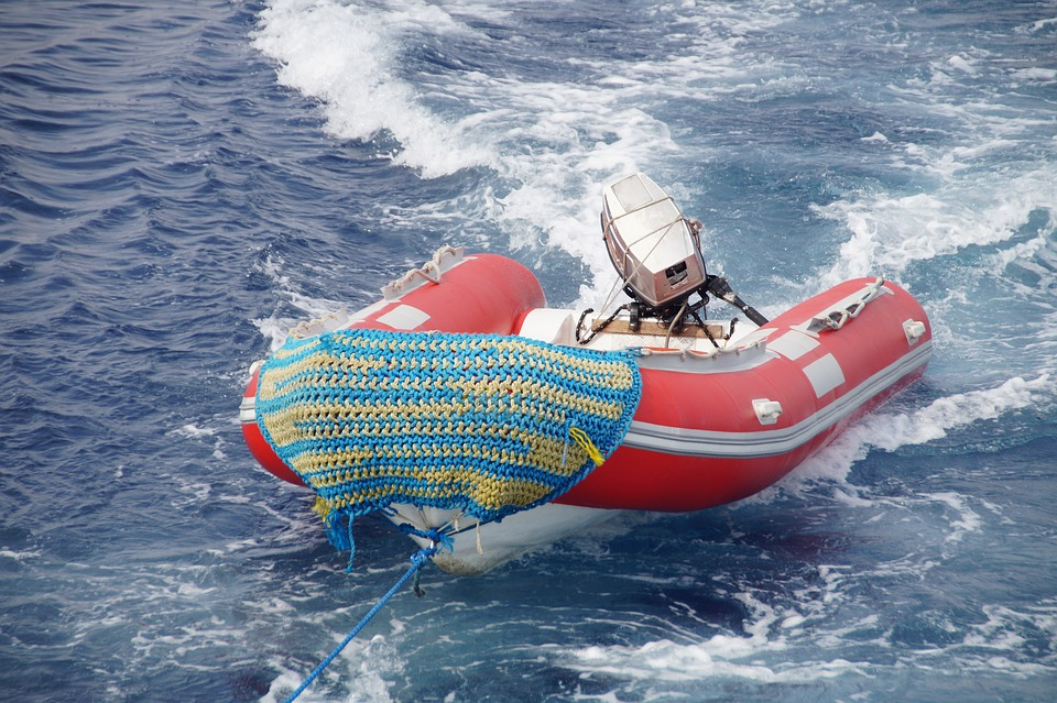 Blow Up Raft With Motor