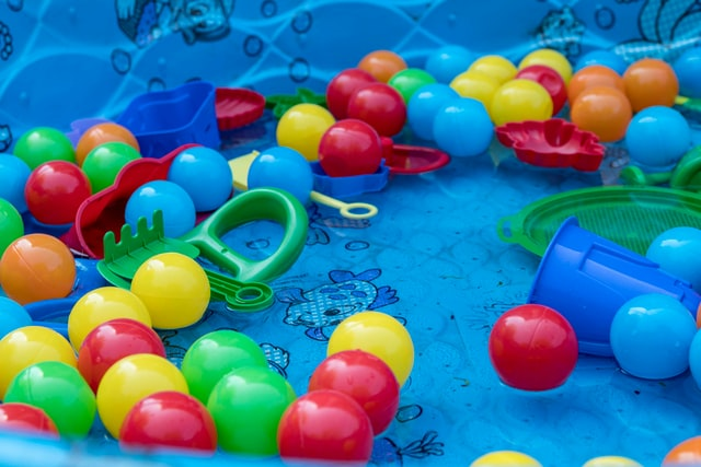 How to clean inflatable pool toys